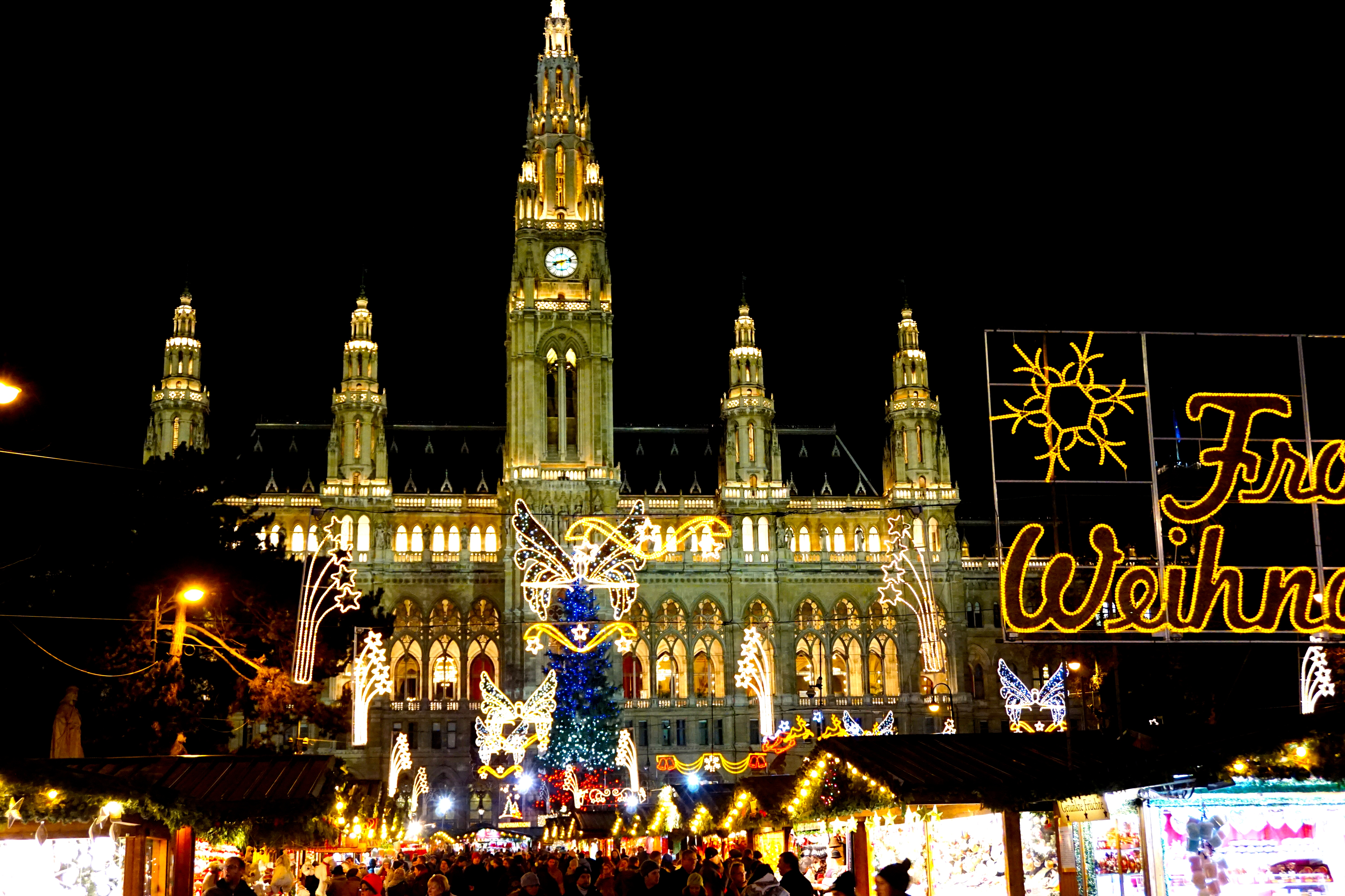 Vienna Christmas Market.Embracing The Christmas Spirit In Vienna A Guide To